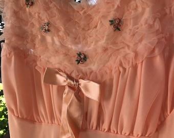 Gorgeous 1960's Vintage Pennys Adonna Peach Nightgown