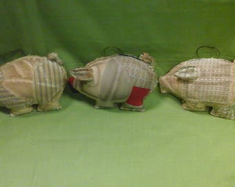 Set of 3 Quilted Pig Christmas  Ornaments