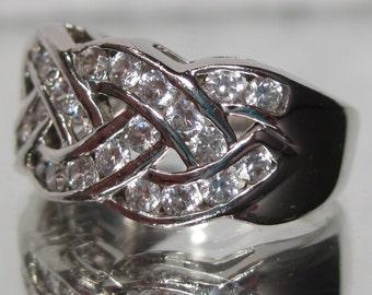 Vintage Sterling Silver CZ Twist Braided Ribbon channel Gemstone Ring Sz 6.25 M703