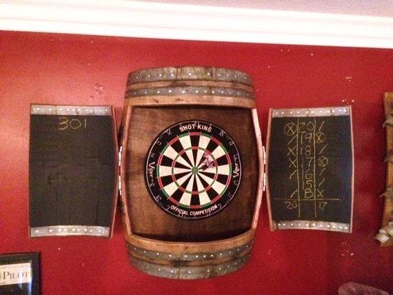 Attirant Wine Barrel Dartboard Cabinet