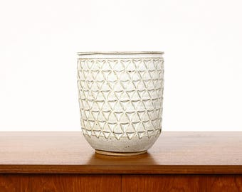 Ceramic Stoneware Planter — Large Delta pattern — White Glaze — P41