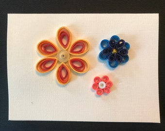 Quilled blooming flowers card