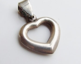 Vintage 925 Sterling Silver Small Heart Pendant