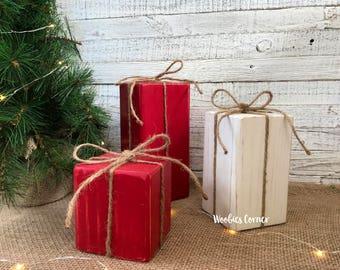 Primitive Christmas decor, Wood Christmas presents, Wood Christmas decorations, Christmas centerpiece, Rustic Christmas decor