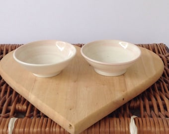 Pink footed bowls