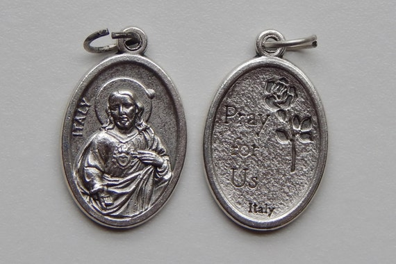 5 Patron Saint Medal Findings, Sacred Heart of Jesus, Pray, Die Cast Silverplate, Silver Color, Oxidized Metal, Made in Italy, Charm