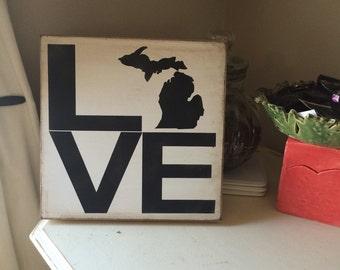 Love Michigan wood art sign * Michigan state * state of michigan * 15x15