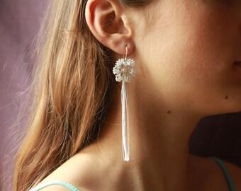 Long earrings - Gatsby wedding- 1920s bridal jewelry - beaded jewellery Swarovski - dangle earrings pendant - green bridal jewelry eco