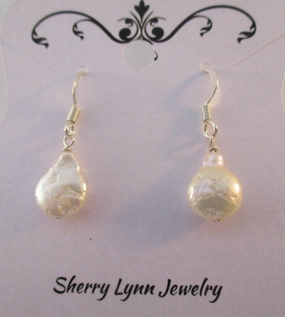 Freshwater Pearl Teardrop Earrings E921173