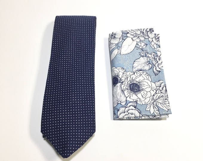 "The ""Build It Full of Posies"" Tie and Square Pack"