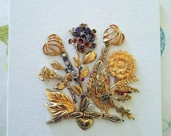 Vintage Gold Bouquet Canvas