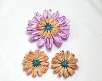 Lavender Flower pin, Raffia flower, Hat pin, Spring flower, scarf pin,