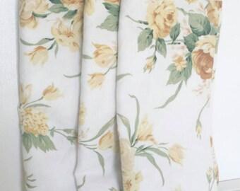 Set of three heavy floral burst Linen Ralph Lauren napkins. Ralph Lauren Napkins. Vintage Linen Napkins. Brunch decor.