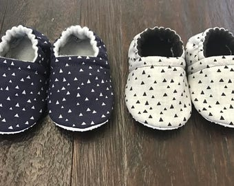 Triangle print baby booties, triangle print crib shoes, baby slippers, toddler slippers