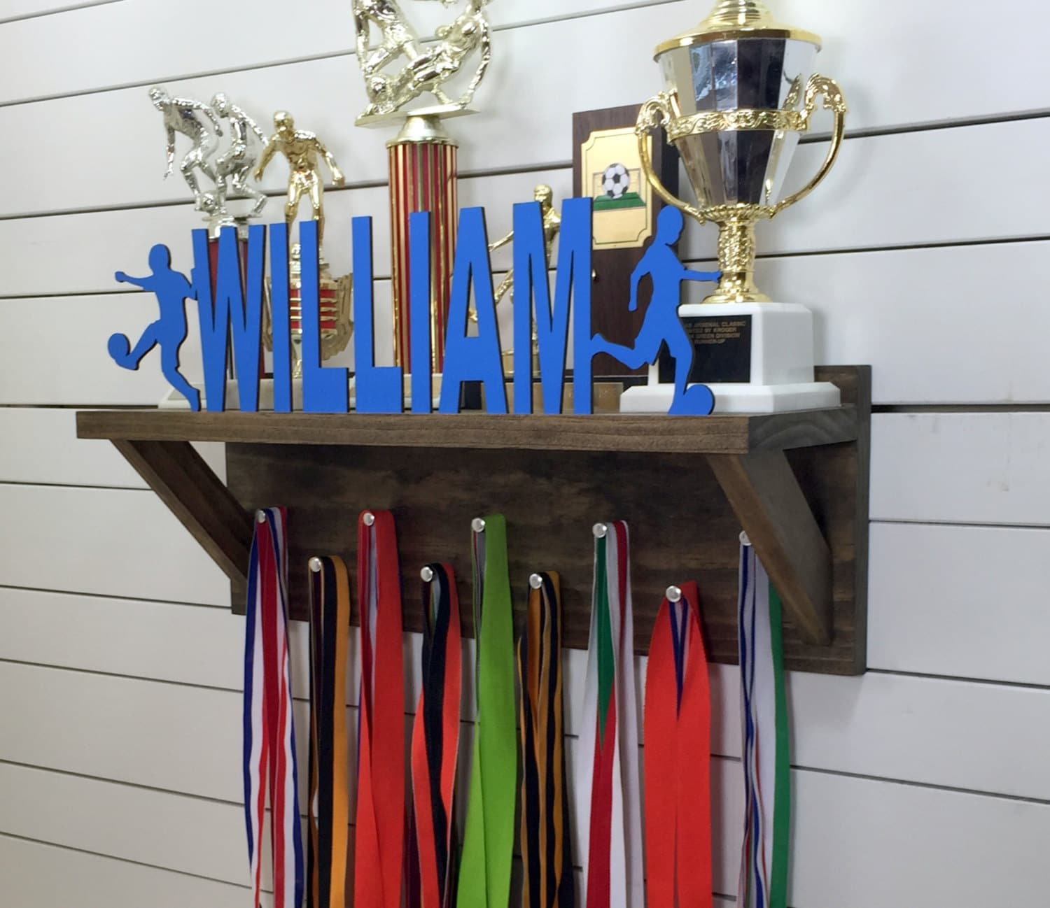 shelf pin accommodates grooved a rack plaque ft has award medal awards black and cased for lanyard foot display shelves trophy