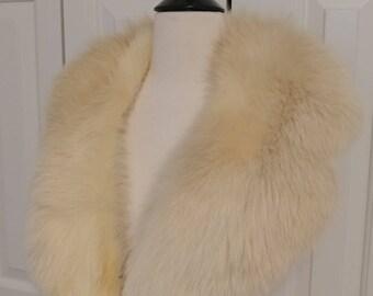 Vintage Fox Fur Collar/ Off White Fox Fur Stole