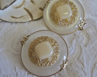 Slide Clip Earrings Vintage 50s 60s Moonglow Cream Gold Filagree Celluloid Button Earrings Mid Century Detailed Statement Retro Bride