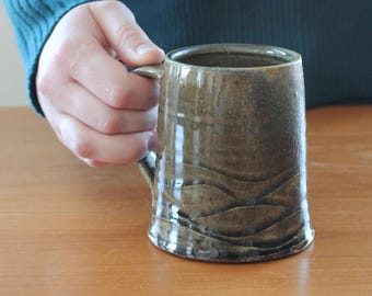 Wavy Mug // Rustic Ceramic Mug // Handmade Coffee Mug //  Tea Mug // Green Pottery Mug // Housewarming Gift // Handmade Gift