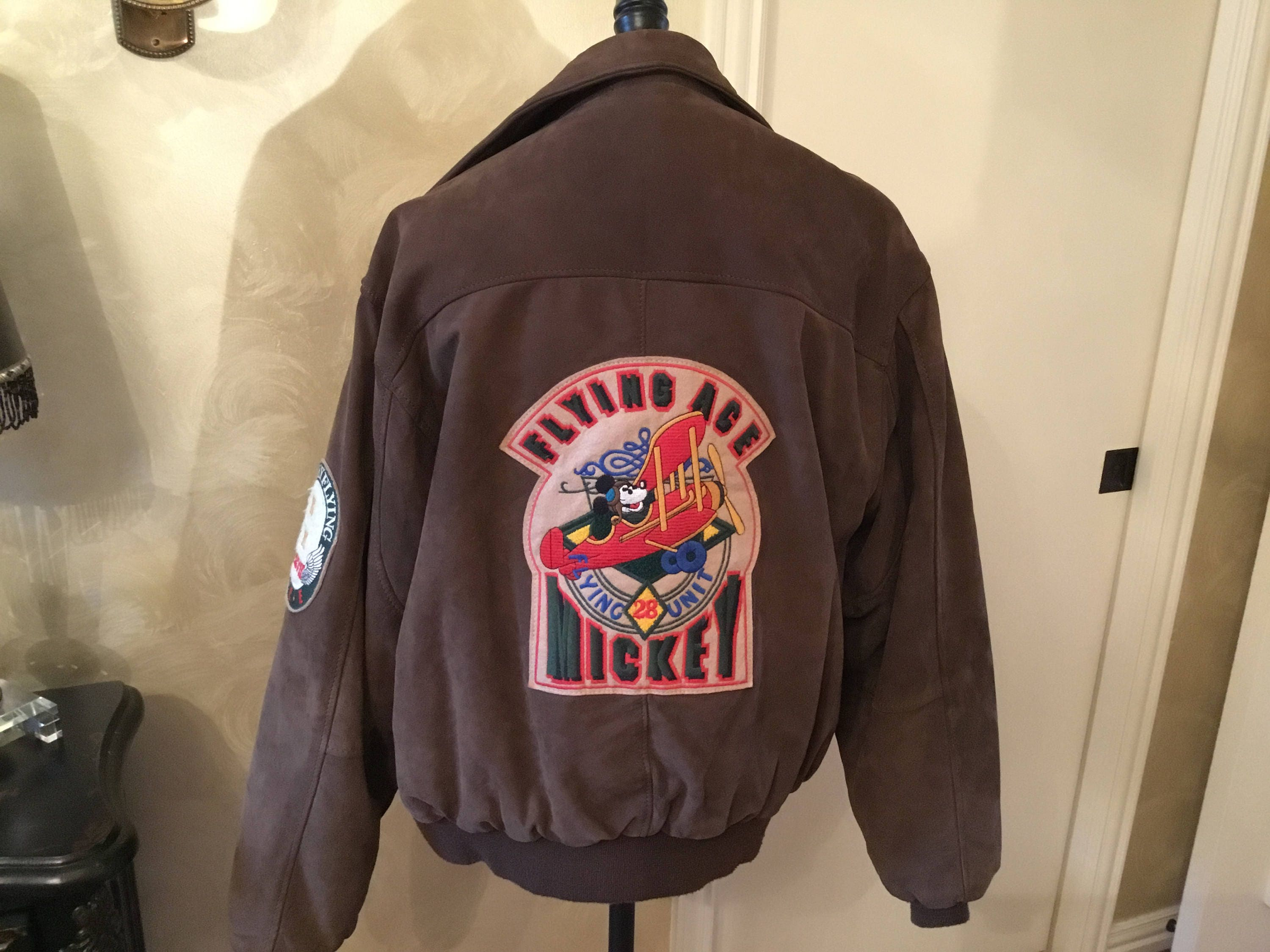 Vintage flying ACE Mickey Mouse jacket size large suede leather jacket and matching ball cap with suede bill 8hB9Wfi