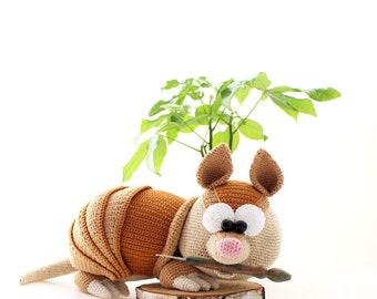 Armadillo - crochet pattern by mala designs ®