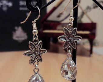 Translucent glass - Silver - 5.5 cm drop earrings