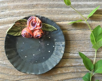 small plate with roses / / ring dish