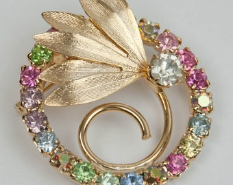 1950s Pastel Pink Blue Green Lavender Rhinestones Round Gold Tone Metal Leaf Leaves Vintage Mid Century Circie Accent Cocktail Pin Brooch