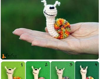 Snail Brooch, snail pin, summer jewelry, crochet brooch, kids jewelry, funny brooch, insect pin
