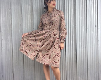1970's Vintage Dress - Paisley and Ruffle Collar Dress with Puff Sleeves - Hippy Chic Style