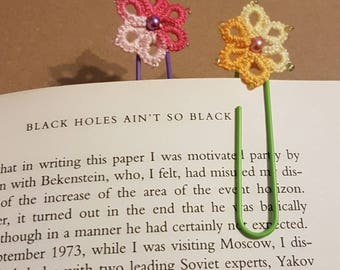 Tatting paperclip bookmark