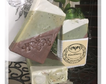 Blackberry Poppyseed *** Luxury Artisan Soap *** Sunflower Oil - Handmade is Bestmade