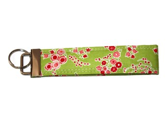 Floral Key Chain, Green Key Fob Wristlett,  Gift for Her, Small Gift Idea, Boho Key Chain, Fabric Key Fob for Her