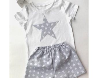 Conjunto bebe. Pantalón corto Bebé. Shorts Bebé. pantalón para bebe. Pantalón verano bebe. Ropa para Bebé. bermudas bebe. pantalón con goma