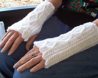 Women's Crochet Wool Blend Fingerless Mitts Sparkly Snow White