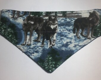 Wolves in Winter over the collar, reversible dog collar