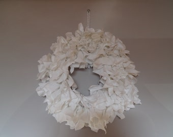 Rag wreath beautifully simple white cotton, 10inches with hanging loop shabby chic decoration door hanging simple home Christmas