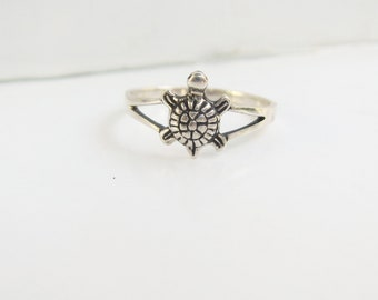 Sterling Silver Turtle Ring - Size 7 - 2986K