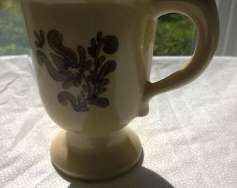 Pfaltzgraff Village Footed Mug - USA