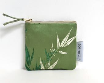 Square Chinese brocade bamboo leaf coin purse / green, silver