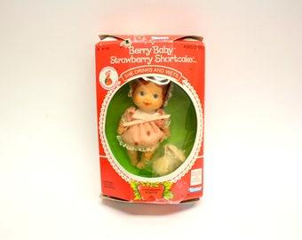 Vintage Kenner 1980s Strawberry Shortcake Berry Baby Doll, NIB (E8502)