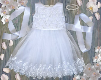 White Lace Baby Girls Christening Dress/Baptism Dress/Pearl bead/white church dress/christening dress/christening gown/baby baptism gown
