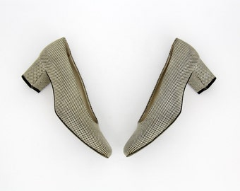 Vintage Shoes // 90's Dotted Block Heel Pumps