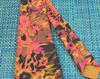 Vintage 1960/70's Mens Handmade Orange and Pink Floral Wide Polyester Necktie -wide necktie, psychedelic necktie,,1960s  floral necktie