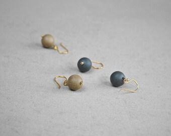 Clay pearl earrings, Ceramic earrings Gold filled earrings Chic earrings Minimalist earrings Pearl earrings Mothers jewellery -boohua