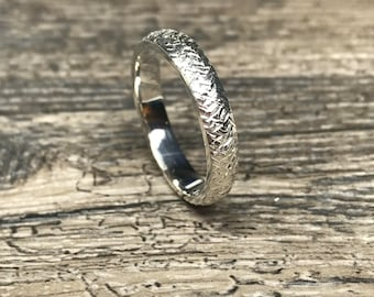 Sterling Silver Cross Hatched Ring
