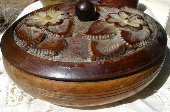 Victorian French Walnut Box Handmade Hand Turned Sculpted French Folk Shepherd Wood Box Floral Design French Souvenir #sophieladydeparis