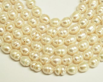 Cultured  Freshwater Pearl Oval Shape Beads