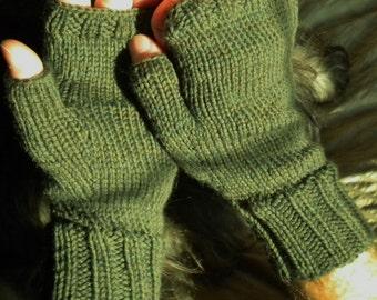 Fingerless Gloves Men's Hand Knit Green Fingerless Gloves Washable Merino Wool Fingerless Gloves Green Merino Wool Men's Knit Hand Warmers