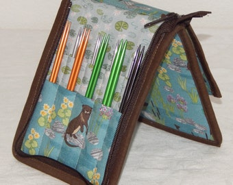 """20 pair capacity Interchangeable knitting needle and crochet hook keeper case sized to hold 3.5"""" to 4.5"""" in length, up to US 11, Otter Duck"""
