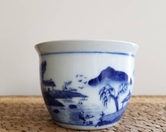 Chinese Porcelain Pot   Jardiniere   Blue and White